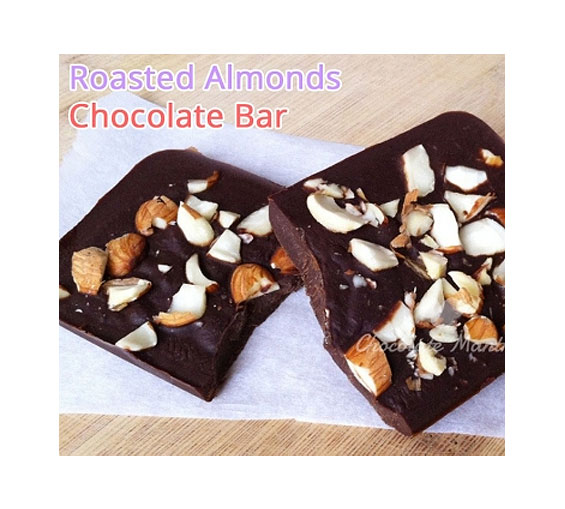 Image of Rakhi with Almond Chocolate Bar