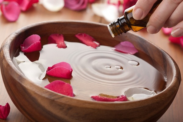 Invaluable Benefits of Priceless Nature's Gift: Essential Oils!