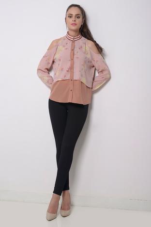 Zeniaa, Pink Floral Shirt.
